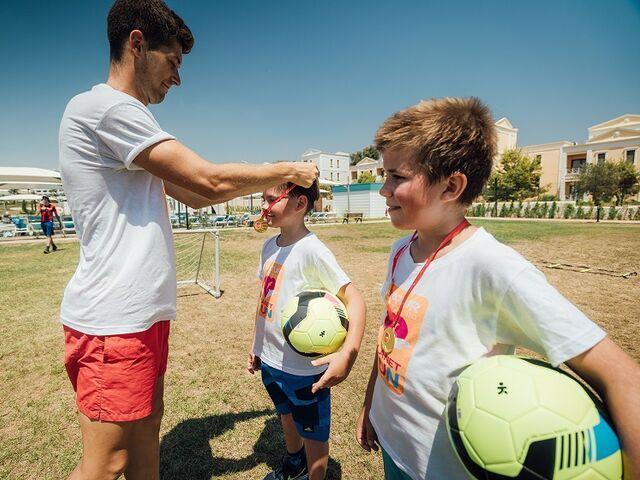 Futbalová športová akadémia
