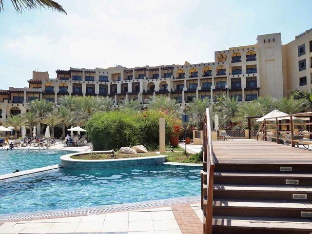 Bazény hotela hilton ras al khaimah