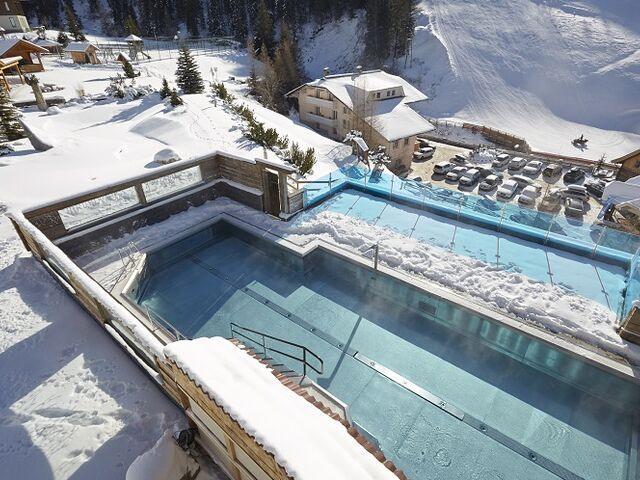 Vonkajší bazén hotela fruhauf