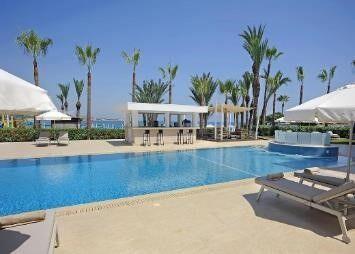 Bazén hotela okeanos