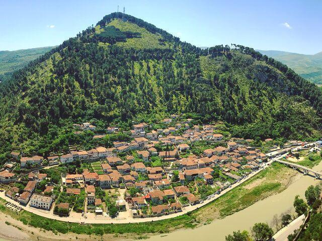 Berat v albánsku z diaľky