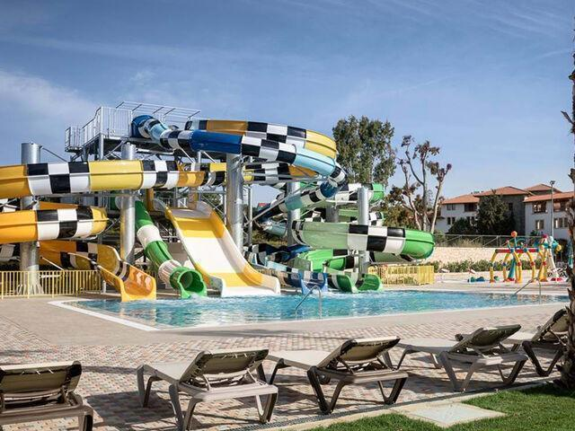 Tobogany aquaparku v hoteli creta maris