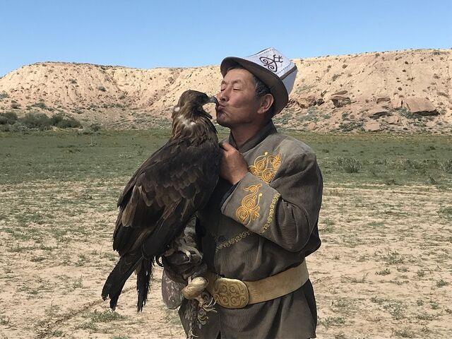 Bozk s orlom v kirgizsku