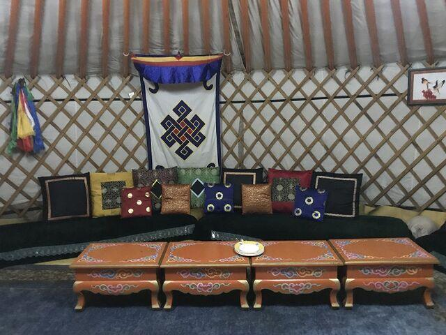 V jurte v mongolsku