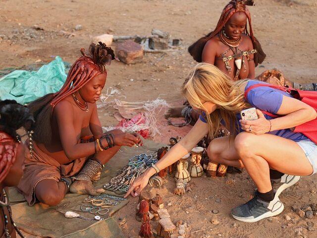 Domorodci a návšteva