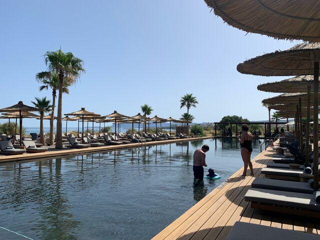 Bazény hotela domes zeen