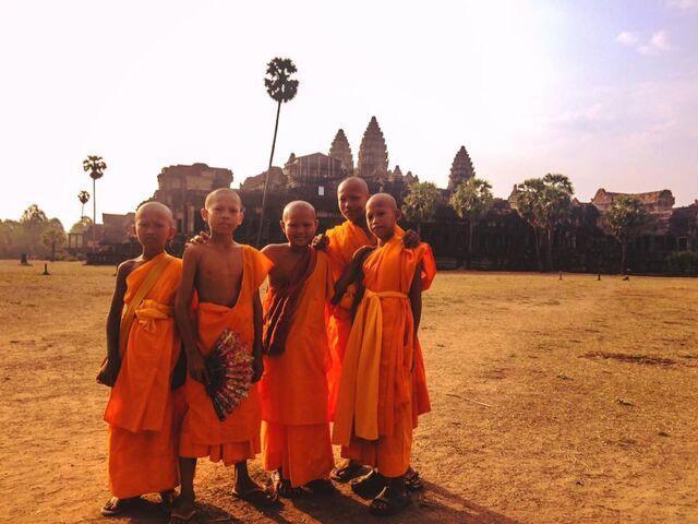 Malí mnísi v kambodži