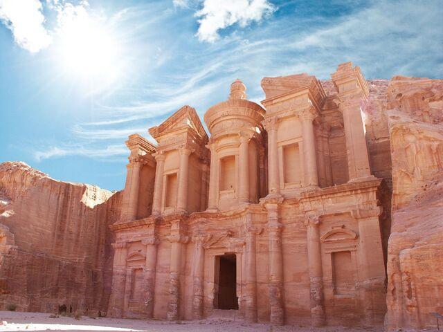 Jordánske mesto v skalách petra