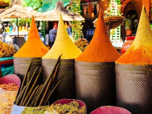 Trh korenín v maroku