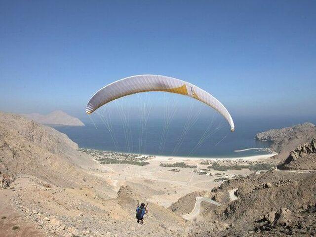Omán paragliding