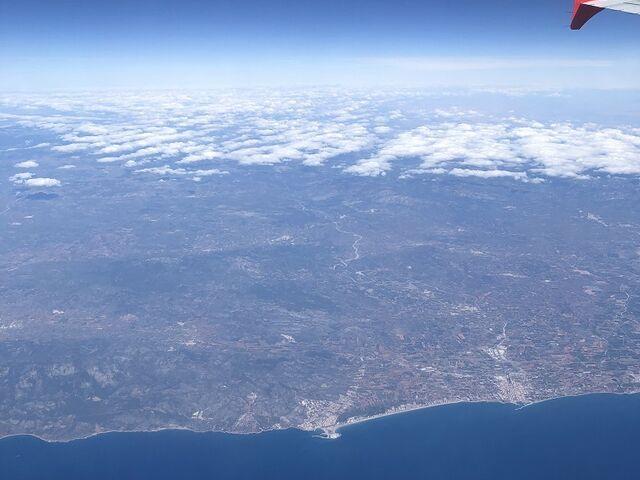 Pohľad na pobrežie Španielska z lietadla