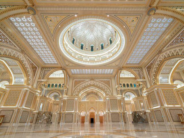 Hlavná sála prezidentského palácu v abú dhabí
