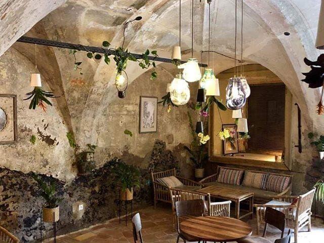 Ruin cafe v banskej štiavnici