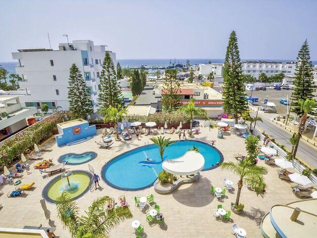 Bazény hotela stamatia