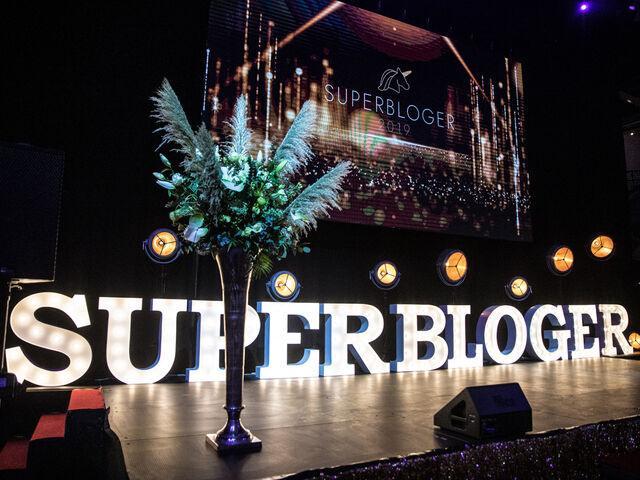 Pódium na galavečeri superblogeri