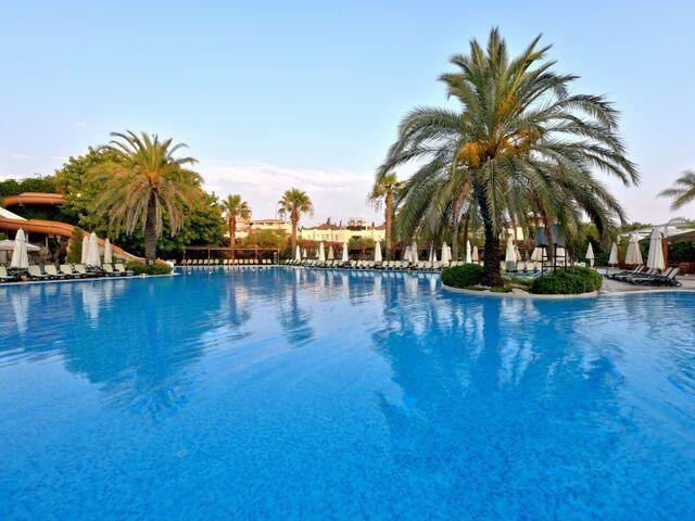 Bazény hotela side star elegance v turecku