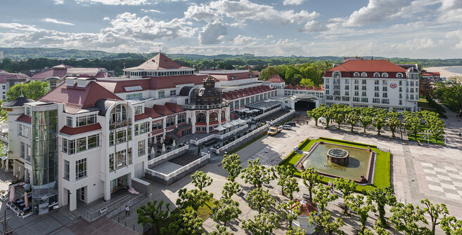 Hotel a námestie v sopotoch