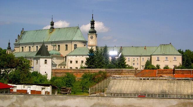 Kláštor v meste ležajsk