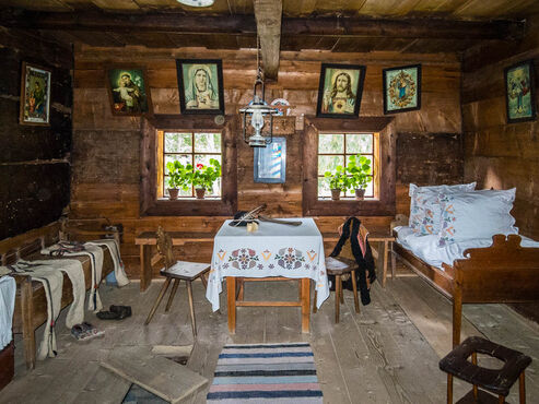 Interiér tradičnej slovenská drevenica na severe Oravy, Skanzen-Zuberec