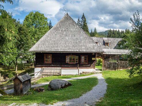 Tradičná slovenská drevenica na severe Oravy, Skanzen-Zuberec