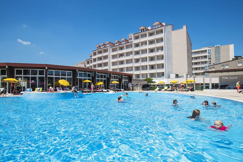 Hotel Corinthia a bazény