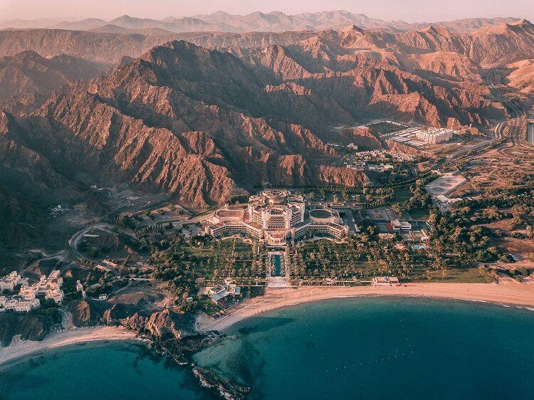 Areál hotela al palace ritz carlton v ománe