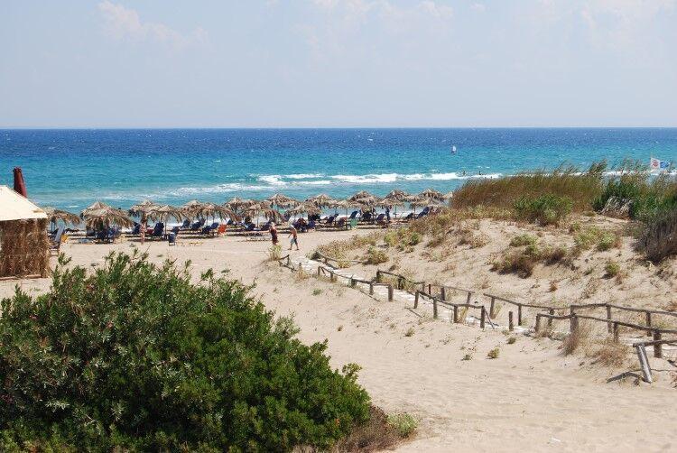 Pláž agios nikolaos na zakyntose