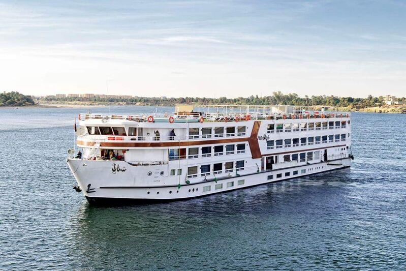 Výletna loď na rieke níl v egypte