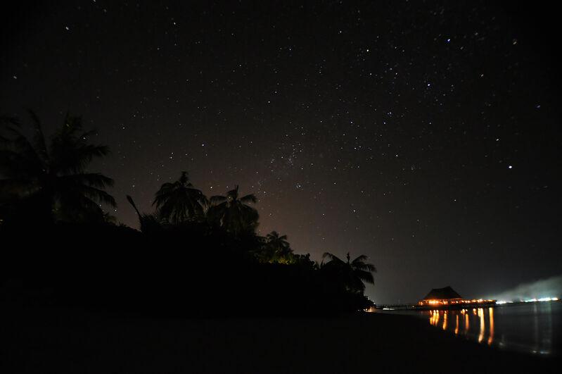 Nočná obloha maldivy