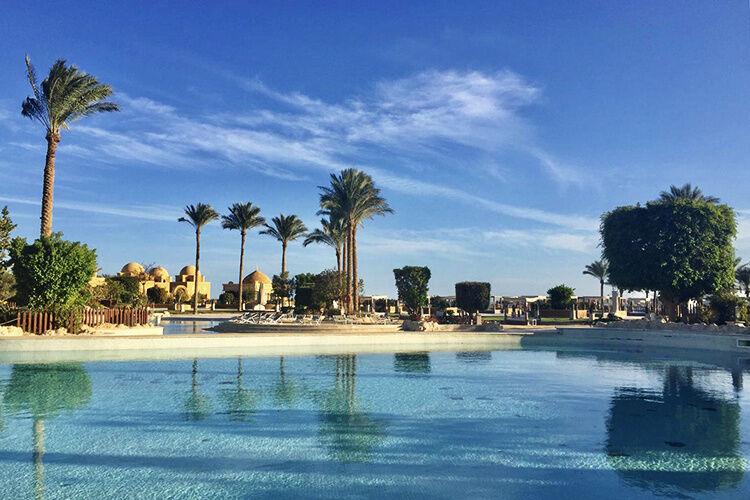 Bazény a palmy
