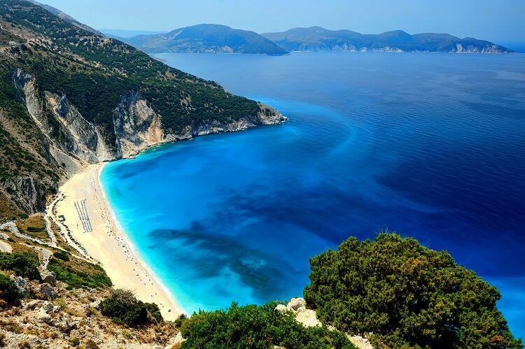 Pláž myrtos na kefalónii