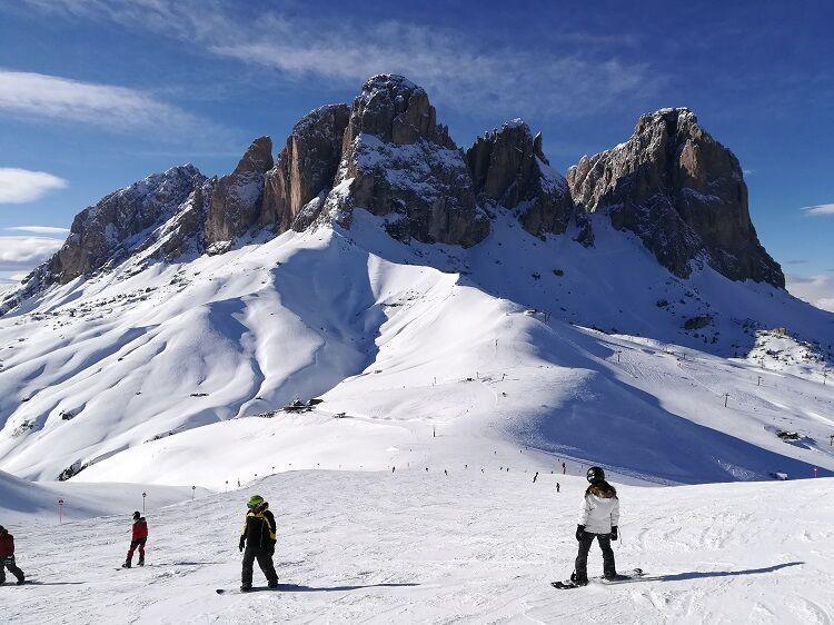 Talianske dolomity a snowboardisti