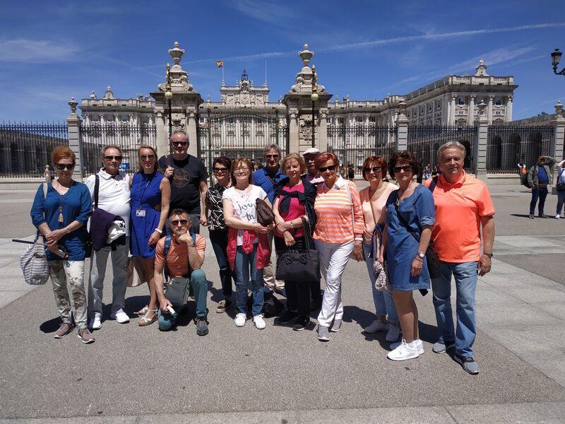 Klienti počas poznávanie španielska