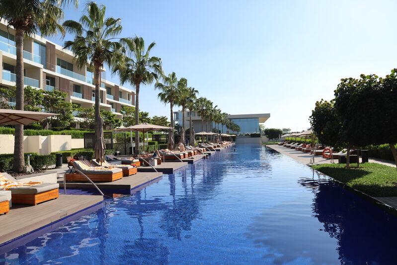 Bazén hotela oberoi