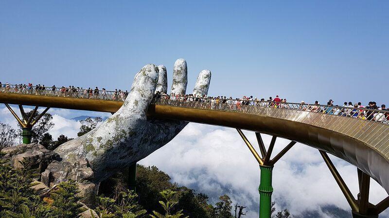 Golden hands bridge vo vietname