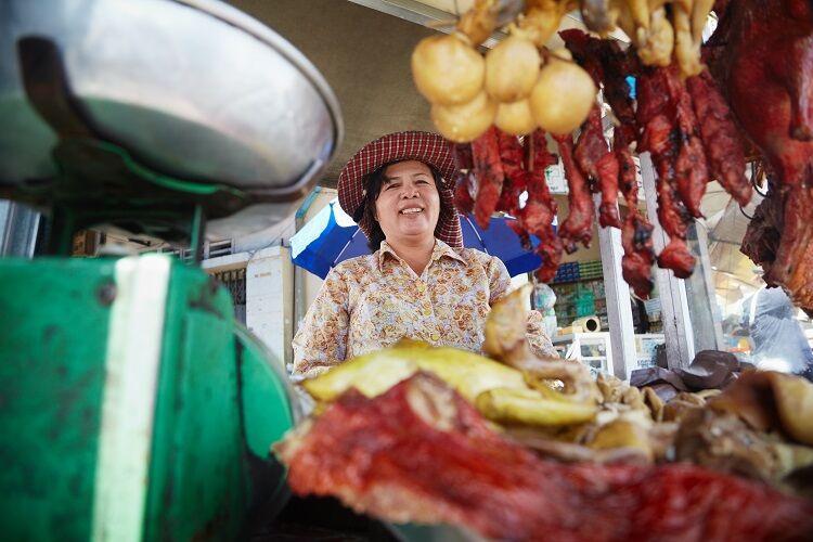 Jedlo na trhu v kambodži