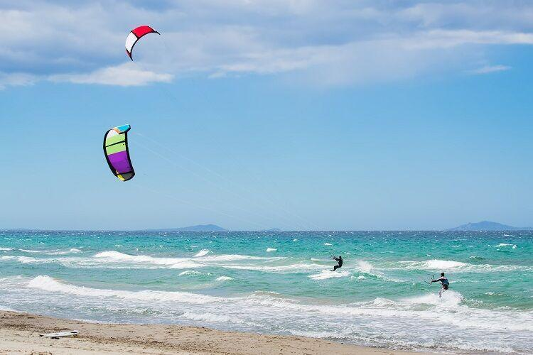 Kitesurfing na sardínii