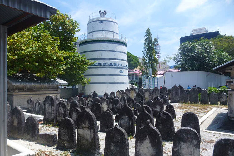 Stará pamiatková mešita v Male