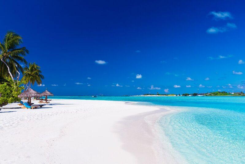 Biele pláže na maldivách