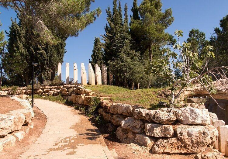 Pamätník obetiam holocaustu v jeruzaleme