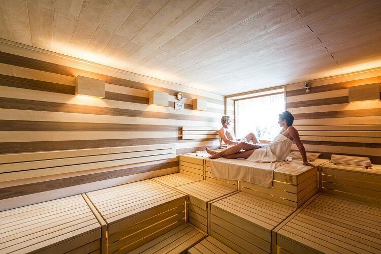 Sauna vo wellness hotela falkensteiner sonnenaple
