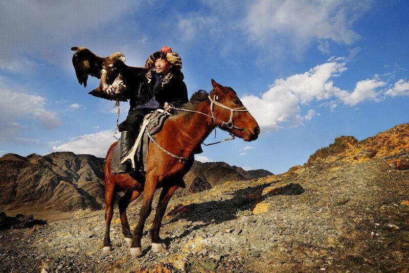 Mongolskí jazdec na koni