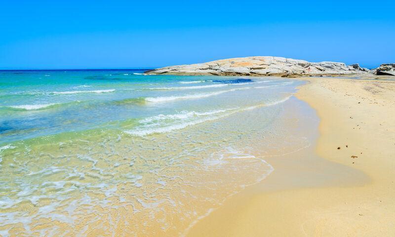 Pláž spiaggia delle ginestre na sardínii