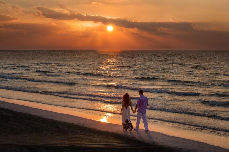Dvojica na pláži v adžmáne