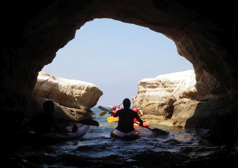 Kajakovanie na mori na cypre