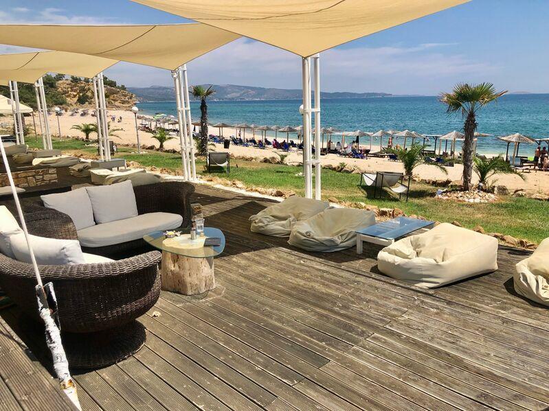 Blue Dream terasa a pláž