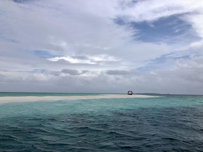 Ostrovček uprostred vody