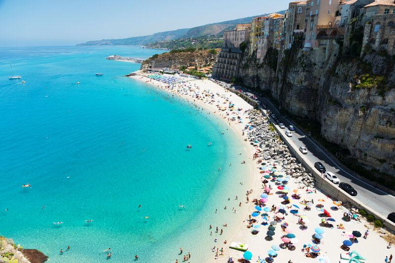 Pláž Tropea v Kalábrii