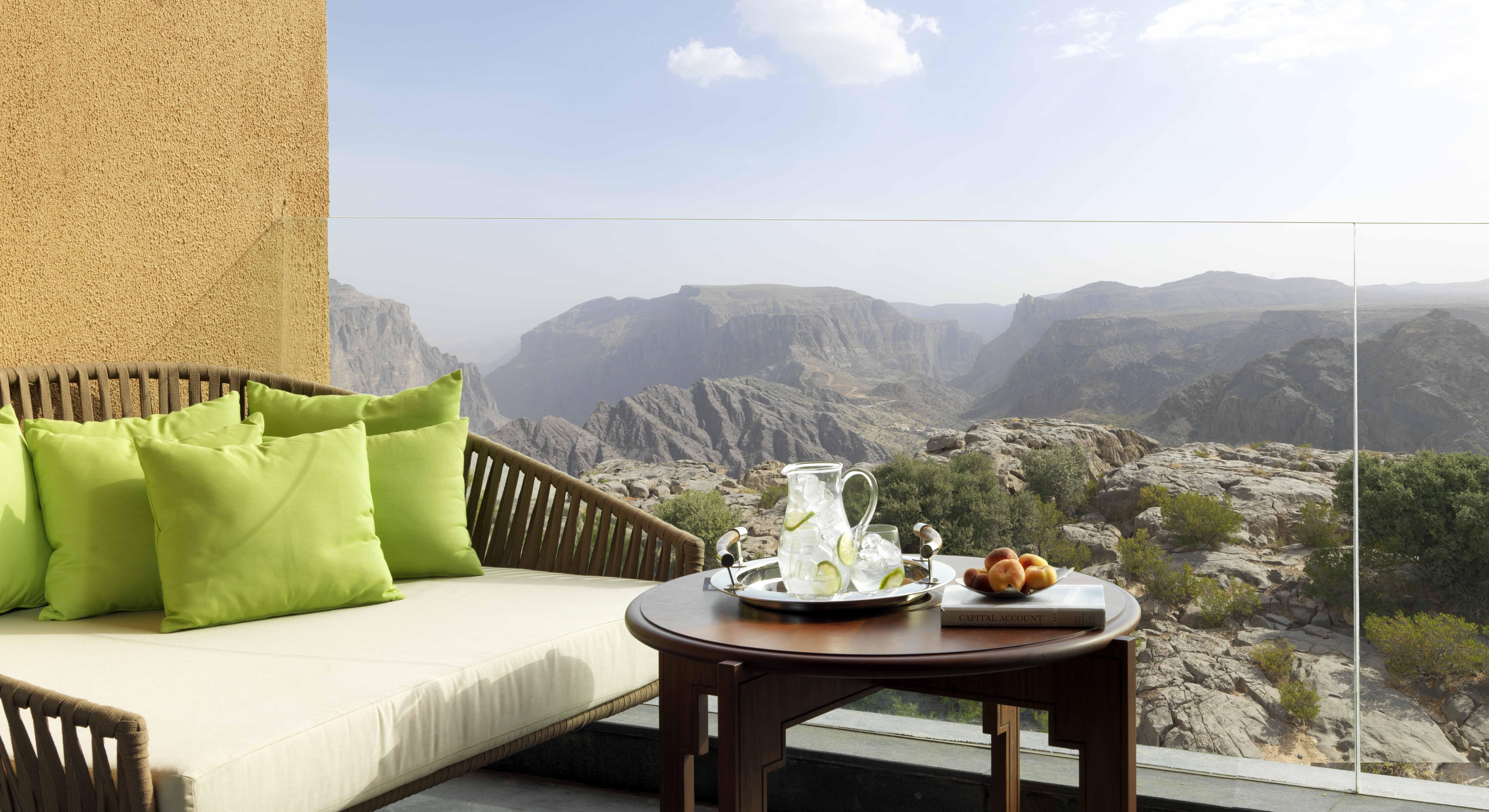 Výhľad z izby hotela al akhdar resort v ománe