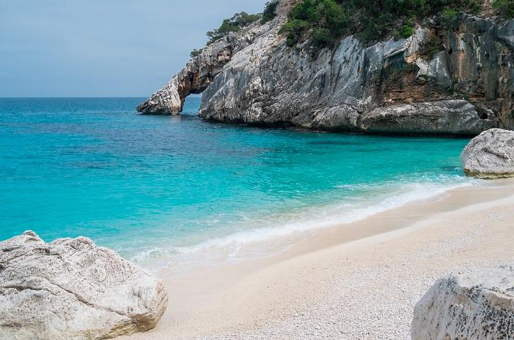 Cala Goloritze pláž na sardínii v taliansku